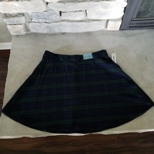 Nwt plaid skirt, old navy size 8